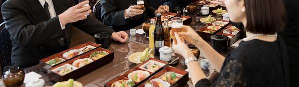 稲城の家族葬は花セレモへ~葬儀の準備ポイント・お食事・お客様の声や口コミを紹介~