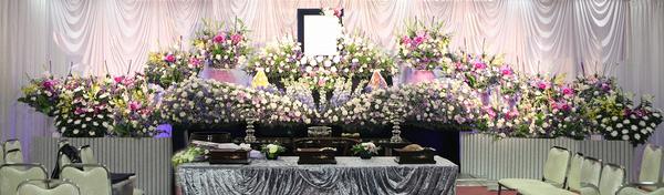 一日葬ってどんなお葬式? 一日葬の特徴や注意点をわかりやすく解説します