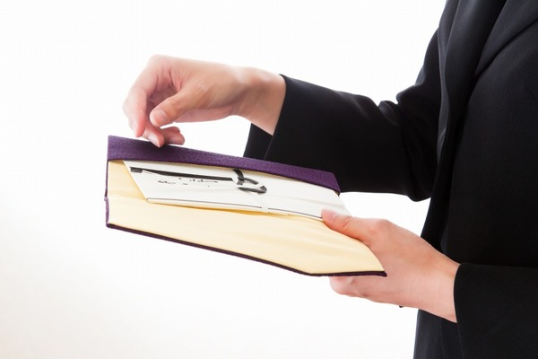 葬儀における香典のマナーや注意点を詳しく解説